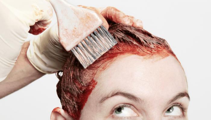 Чем отмыть краску для волос с кожи лица и рук